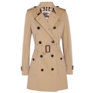 Burberry tan honey camel Kensington trench coat
